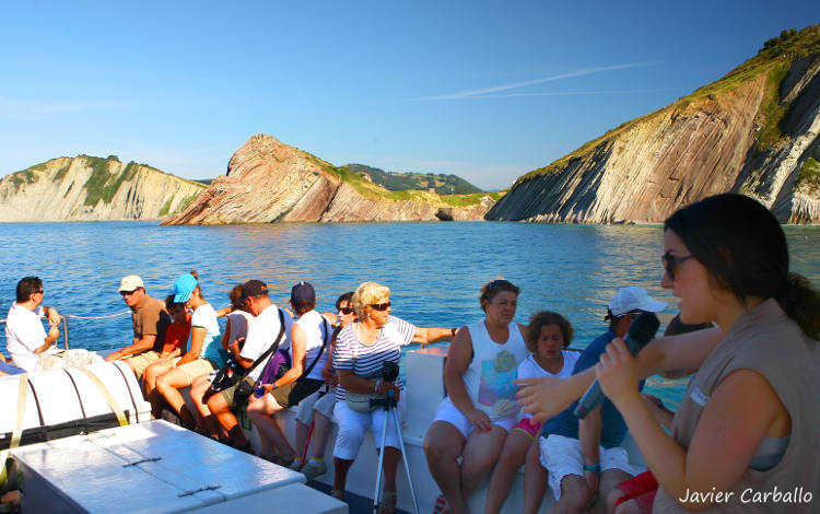From Deba to Zumaia by boat